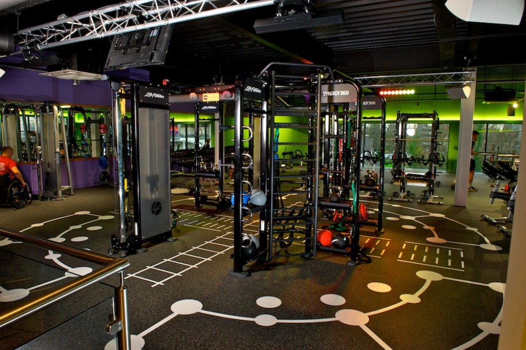 SimplyGym's new site in January 2016 in Cwmbran. Locational image showing the internal view and users of the gym facilities